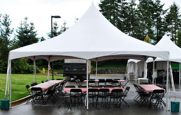 20 x 20 high peak tent rental high peak tents increase the visabiility